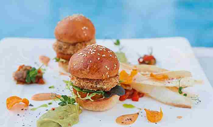 Crab cake, cheddar and Cajun spice mini burgers at Siddharta Lounge