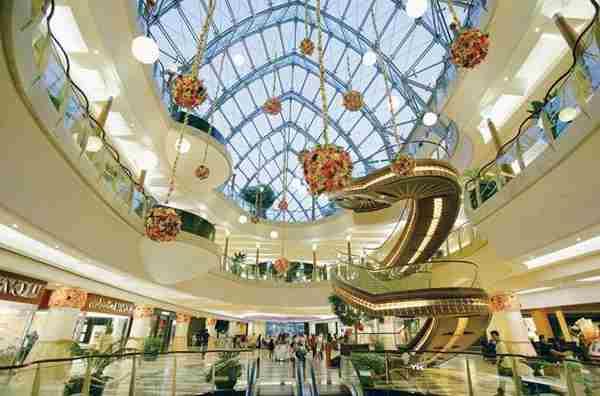 مرکز خرید برجمان دبی - Burjuman Center
