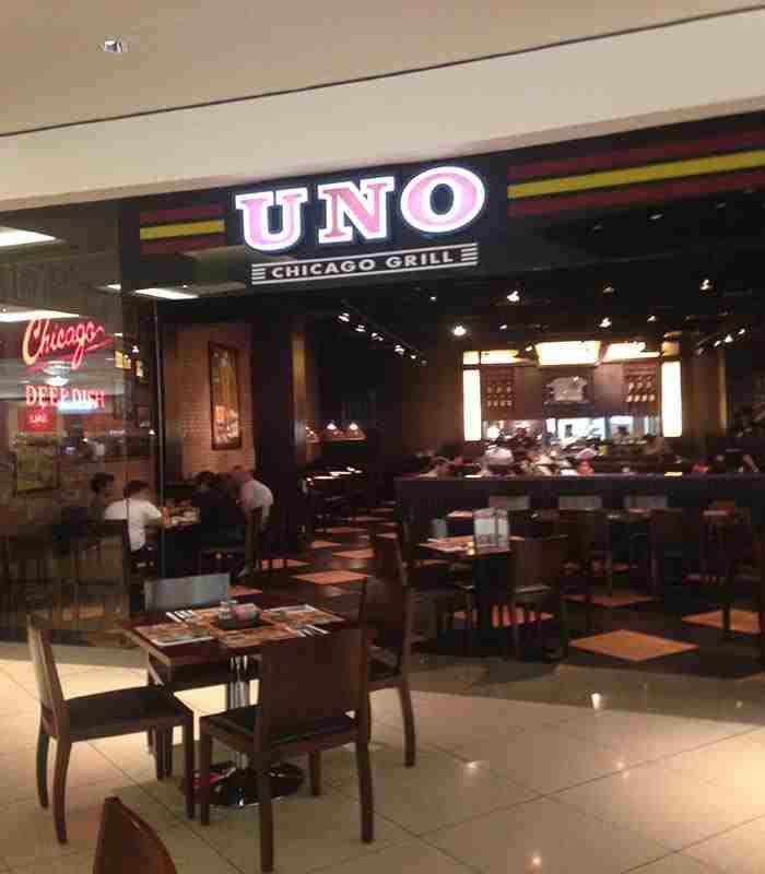 رستوران شیکاگو اونو پیتزاریا دبی - UNO Chicago Grill