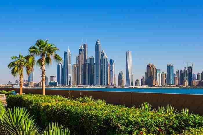 راهکار شهرداری دبی برای فرار رفتگرها از گرما