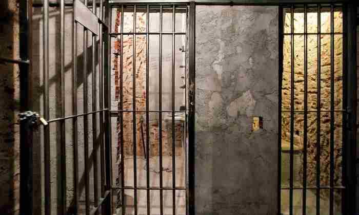 بازی فرار از زندان در دبی