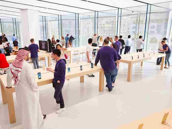اپل استور جدید در دبی مال