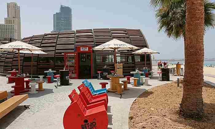 رستوران رترو فیست دبی - Retro Feast