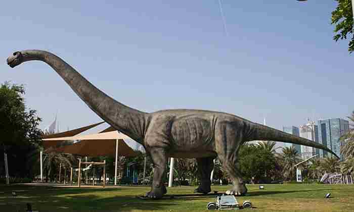 پارک دایناسور دبی
