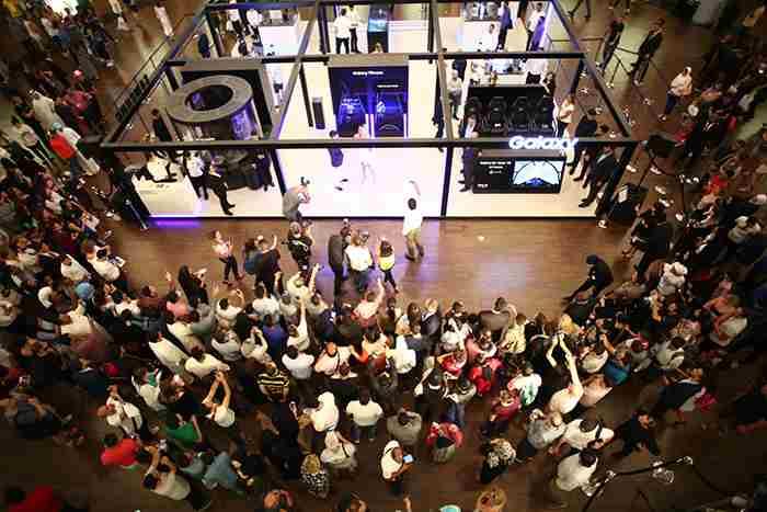 استودیوی گلکسی سامسونگ در امارات مال دبی