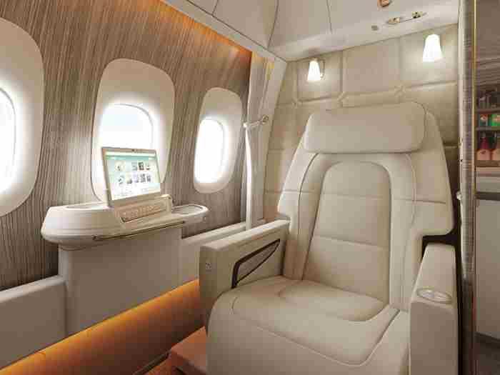 برنامه امارات برای حذف پنجره های هواپیما