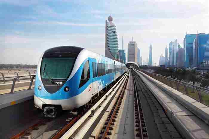 قطارهای جدید و پیشرفته دبی از آذر ماه وارد سرویس میشوند
