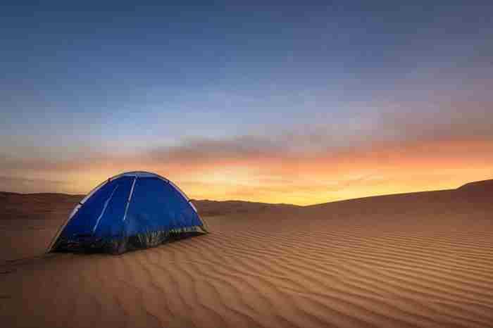 کمپ زدن در دبی
