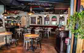 رستوران بیسترو دی آرت دبی - Bistro Des Arts