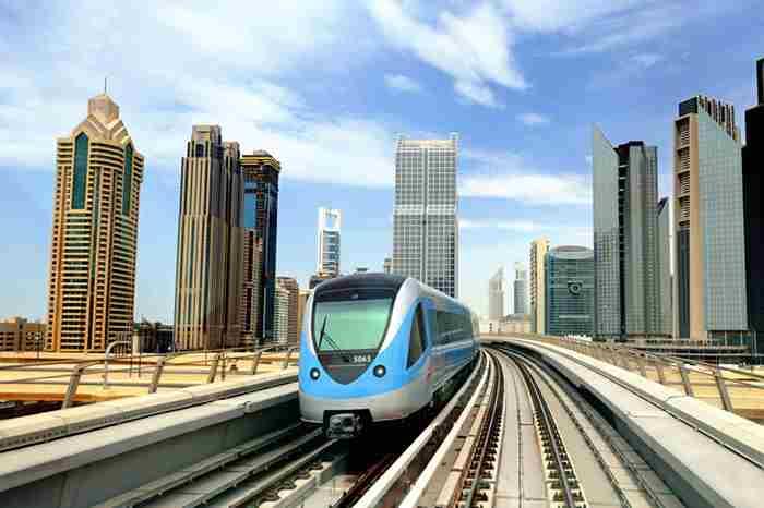 استفاده از وسایل نقلیه عمومی در دبی