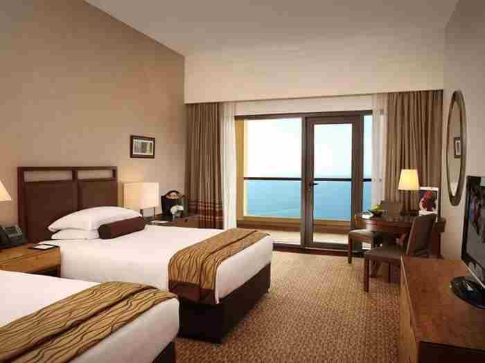 هتل امواج روتانا جمیرا بیچ