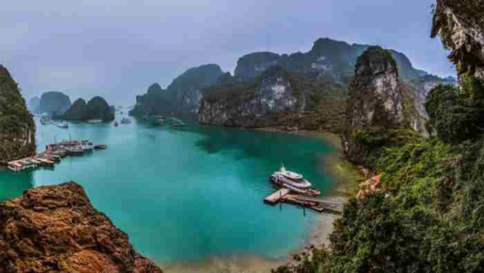 جزیره با زیبایی خیره کننده