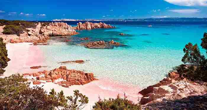 10 ساحل ماسه صورتی دنیا