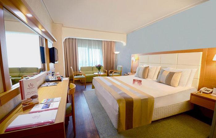 هتل آکگون