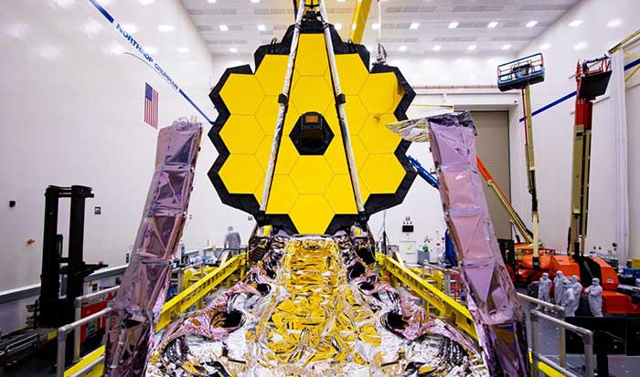 ناسا تلسکوپ غول پیکر جیمز وب را تا دو ماه دیگر به فضا میفرستد